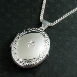 Oval Locket, Silver, with Diamond, ref. SLD1
